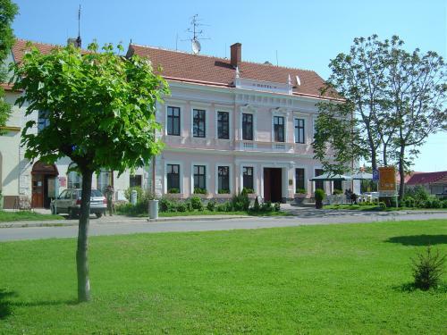 Foto - Ubytování v Drnholci - Hotel Drnholec ***