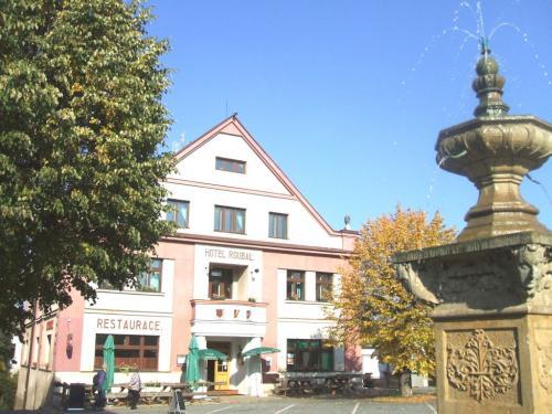 Foto - Ubytování v Pecce u Nové Paky - Hotel Roubal