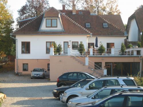 Foto - Ubytování v Jedovnici - Levné ubytování s krytým bazénem Jedovnice