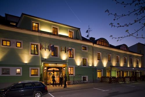 Foto - Ubytování ve Frymburku - HOTEL VLTAVA u Lipenské přehrady